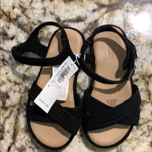 Toddler sandals NWT